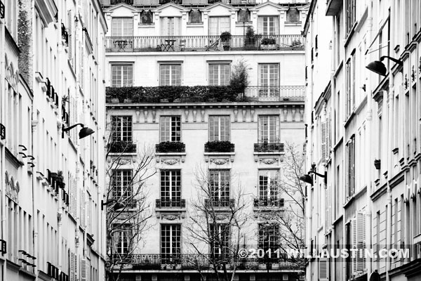 Building in the Invalides area of Paris