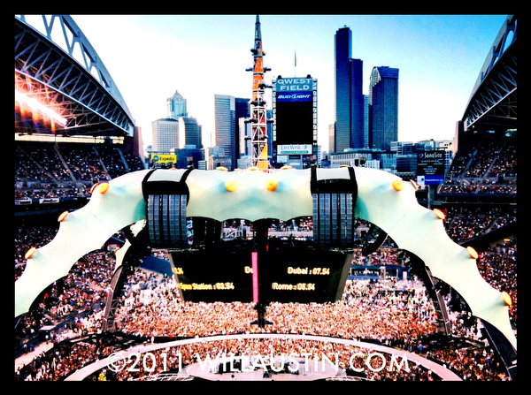 U2 360 tour Seattle, the Claw