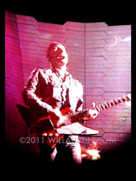 U2 360 tour Seattle, The Edge