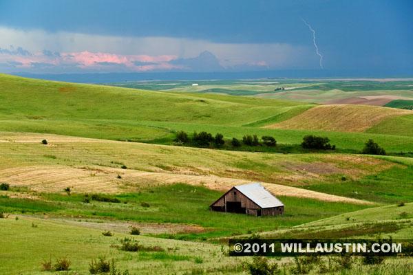 Barn and lightning near Moscow, Idaho